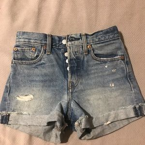 Levi's Wedgie Fit Shorts size 24